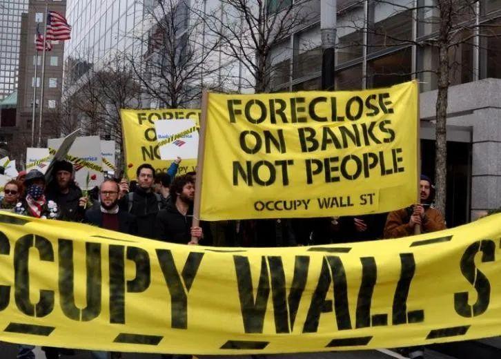 疫情让经济倍受影响,为何股票、基金不跌反涨?