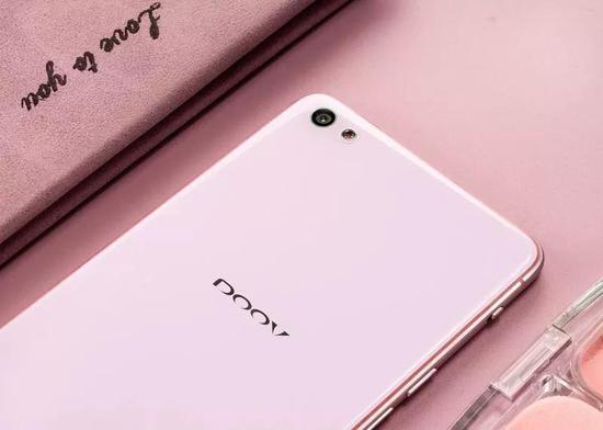朵唯,一个国产手机品牌的非典型