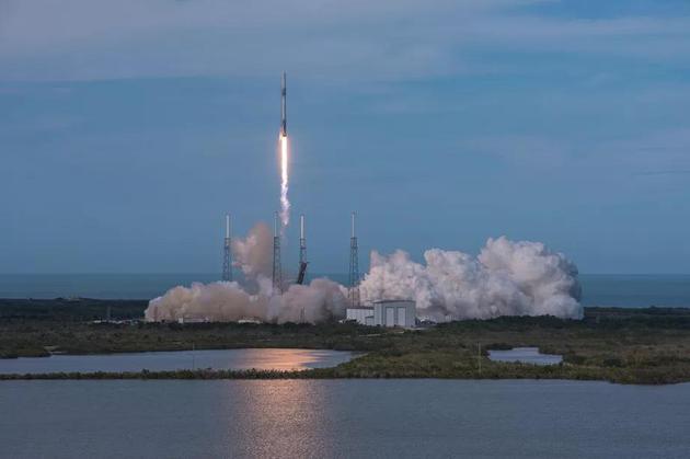 SpaceX将向国际空间站发送新设备:人工智能机器