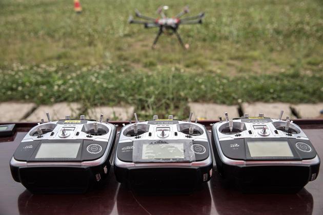 彭博社:中国科技企业研发无人机 规章制度有待