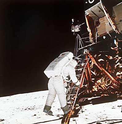 历史揭密:克格勃曾欲破坏阿波罗登月飞船(图)_