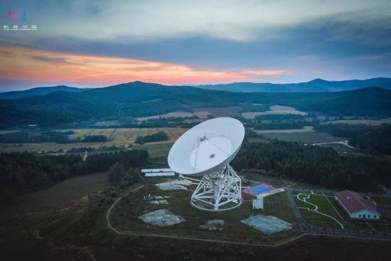 """《三体》中的""""红岸基地"""":佳木斯66米射电望远镜 证券资讯"""