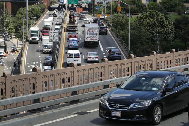 布鲁克林-皇后区高速公路上的交通情况