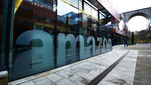 """英国拟推出""""亚马逊税"""" 为当地零售商提供支持"""