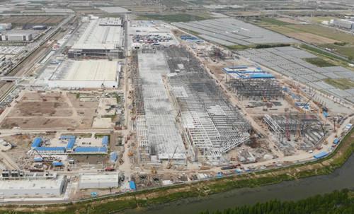 特斯拉上海超级工厂Model Y厂房屋顶铺设已基本完成