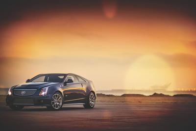 新能源汽车保持高增长,行业龙头值得关注